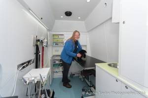 vetmobile_inside